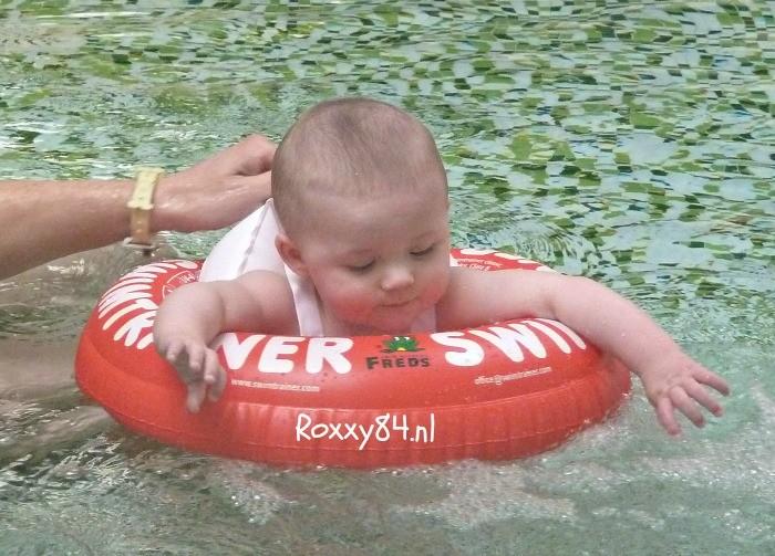 Zwemmen met de baby
